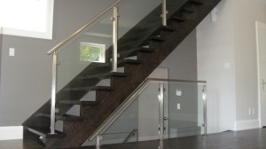 Glass railing with stainless steel HR_web
